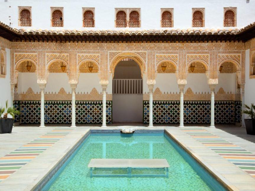 patio interior alhambra granada