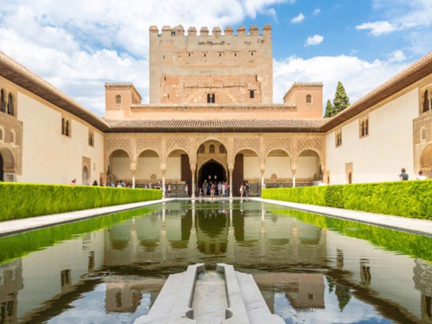 alhambra-palace-of-granada-espana